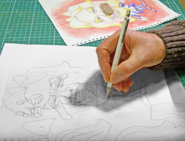 Tracing the templates VLR - paper sculpture caricature